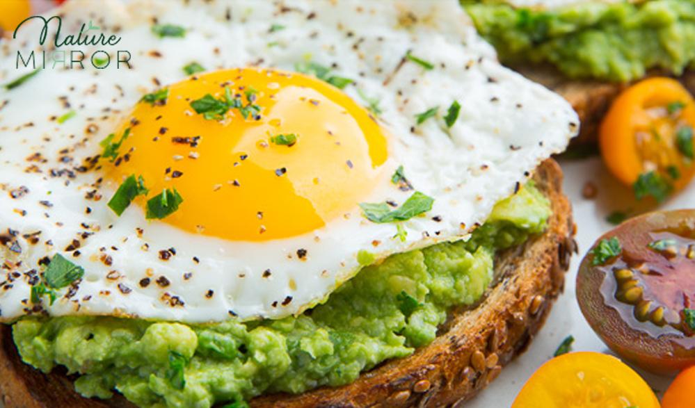 Avokádós-tojásos pirítós recept