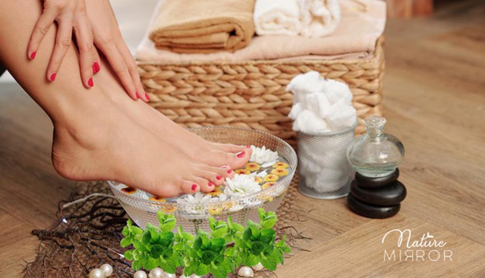 Kényeztesd magad borsmentás lábfürdővel!